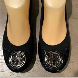 Tory Burch signature black patent leather flats 8